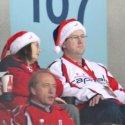 caps-fans-santa-hats-10
